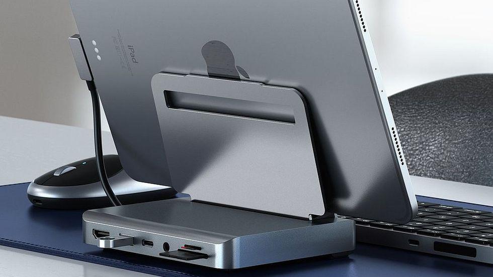 Satechi Aluminium stand & hub for Ipad Pro