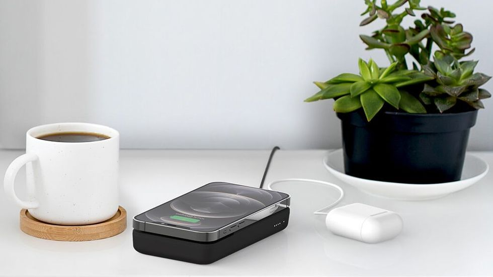 Belkin Magnetic portable wireless charger