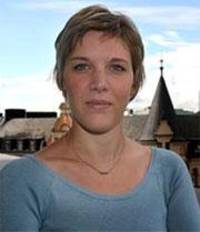 """""""Alla operatörer gör så här"""", säger Karin Nordlund, pressansvarig på Telia, om att sälja sina kunders mobilnummer till sajtägare."""